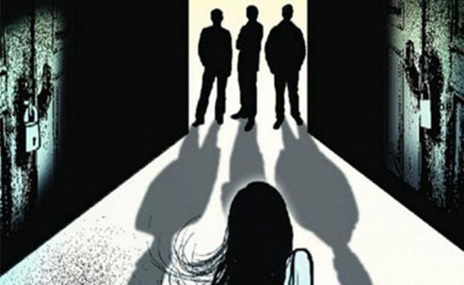 Gang Rape On Tenth Class Girl In Haryana - Sakshi