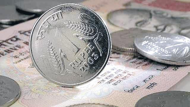 20 paise down compared with the dollar - Sakshi