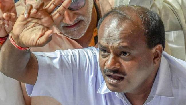 Congress MLAs Revolt Against Kumaraswamy Government - Sakshi