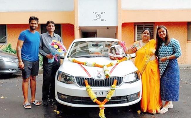 Suryakumar Yadav Gets Emotional As He Gives Gift To His Parents - Sakshi