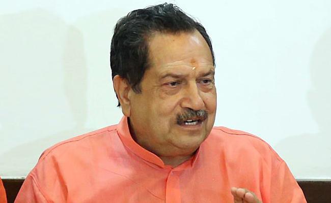 We Can Enter Into Lahore Easily, Says RSS leader Indresh Kumar - Sakshi
