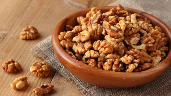 Walnuts A Day Makes You HALF As Likely To Develop Diabetes - Sakshi