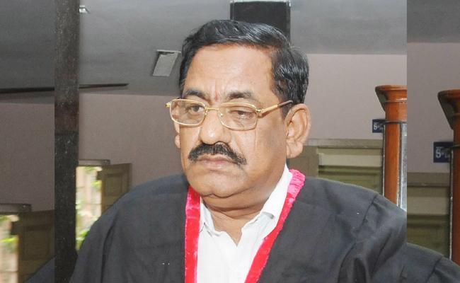 Mayor Sridhar Fires On Sakshi Reporter In Vijayawada