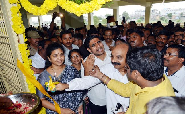 Nara Lokesh Intolerance In Kurnool Tour - Sakshi