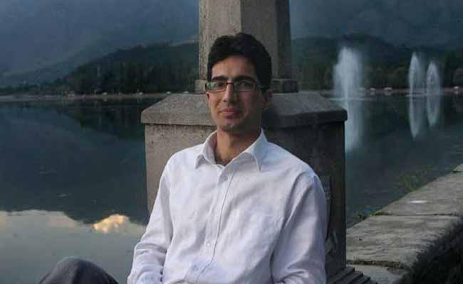 For Rapistan Tweet Kashmir IAS Topper Shah Faesal Faces Centre Wrath - Sakshi