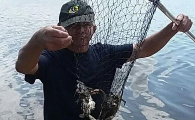 Flesh Eating Bacteria Attacked Crabber In New Jersey - Sakshi