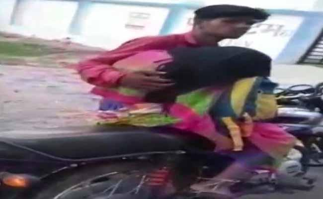 Son Takes Dead Body Of Mother on A Bike For Postmortem In Madhya Pradesh - Sakshi