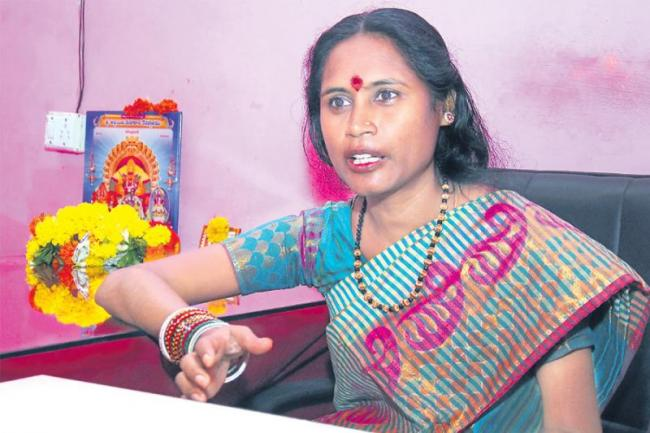 Swarnalatha tells the future of Ujjain as a masculine - Sakshi