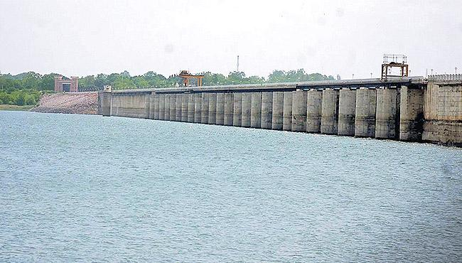 TS Govt Slams Karnataka On Over Consuming Krishna Water - Sakshi