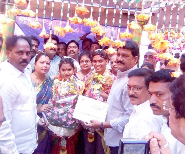 Chandranna Kanuka Scheme Not Implemented Visakhapatnam - Sakshi