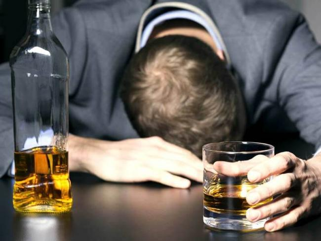 Study Reveals Heavy Drinking Increases Risk Of Death - Sakshi