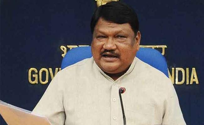 Union Minister Jual Oram Says That Accidentally Took Vijay Mallya Name - Sakshi
