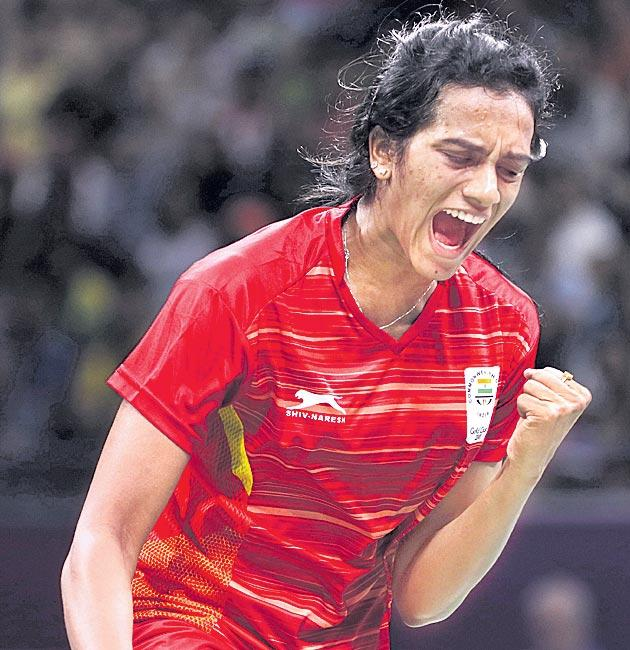 Sindhu progresses to Thailand Open semifinals - Sakshi
