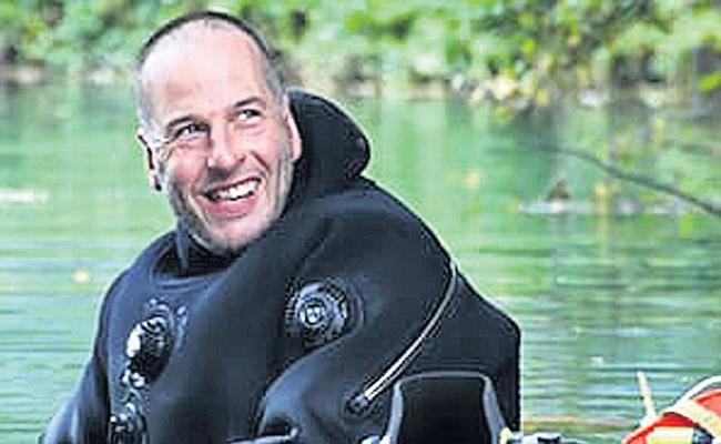 Richard Stanton Is Super Hero In Thai Cave Rescue Operation - Sakshi