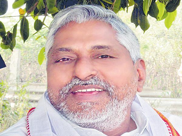 Jeevan Reddy comments on TRS Govt - Sakshi