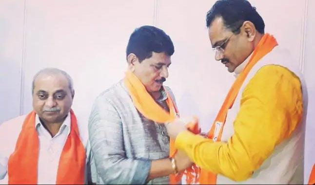 Ex-Gujarat Chief Minister Shankersinh Vaghela's Son Joins BJP - Sakshi