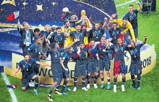 France beat Croatia by 4-2 to win their second World Cup title - Sakshi