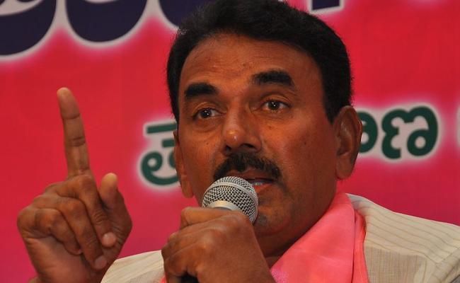 Telangana Minister Jupally Krishna Rao Complaint On CI Janardhan Reddy - Sakshi