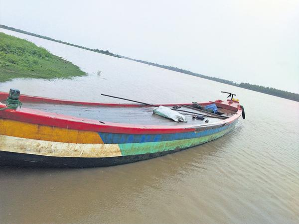 Boat manager negligence makes this Tragedy in students families - Sakshi
