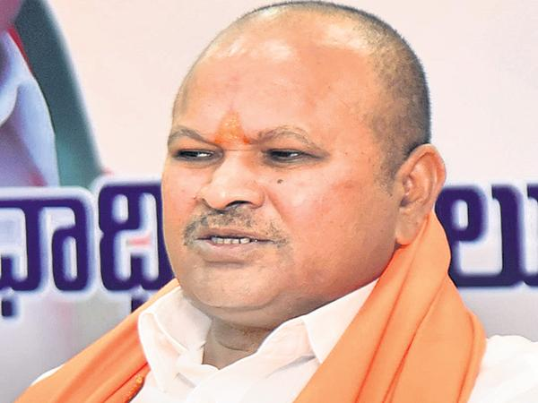 Kanna Lakshminarayana complained to the Union Home Minister - Sakshi