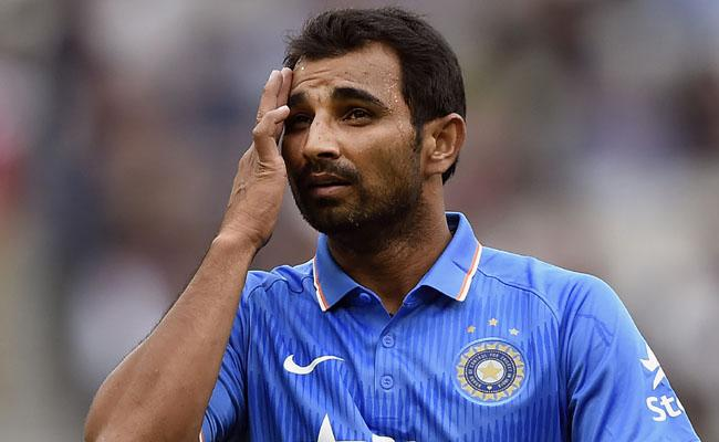Mohammed Shami Summoned In Cheque Bounce Case - Sakshi