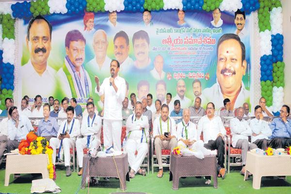 Bhumana Karunakar reddy Slams TDP Govt - Sakshi