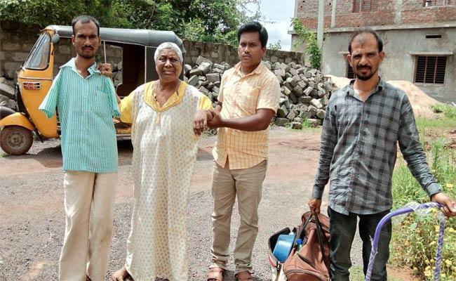 Daughter Who Ignored Her Mother - Sakshi