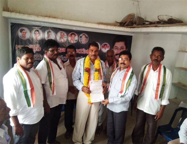Congress Leaders Comments On CM Chandrababu Naidu Prakasam - Sakshi