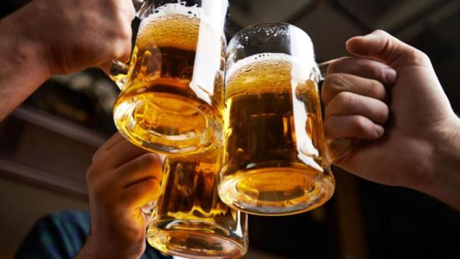 Alcohol Taking In Moderate Is Increase Fertility In Men - Sakshi