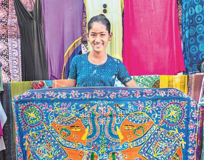 Kerala Textile Industry has made women workers work for the right to sit - Sakshi