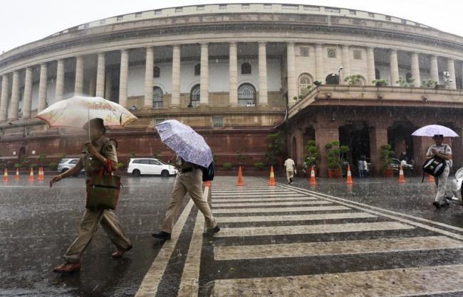 Heavy Rain In New Delhi - Sakshi