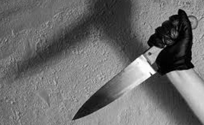 Garments Trader Stabbed Graduation Student In Delhi - Sakshi