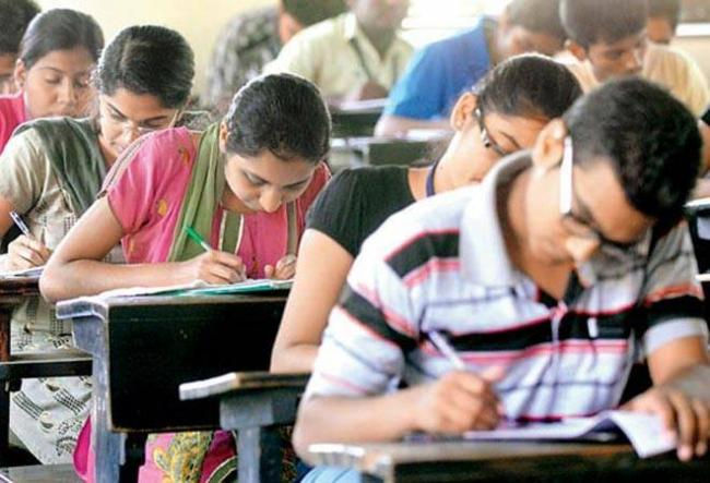 Over 2,400 IAS, IPS Posts Vacant In Country, Says Govt - Sakshi
