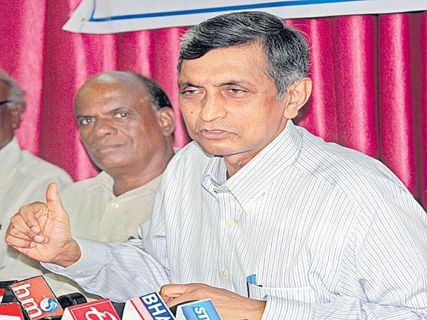 Jaya Prakash Narayana comments on Bribery - Sakshi