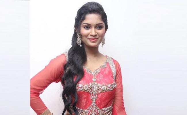 Actress Priyanka Clarity On rumours In Social Media - Sakshi