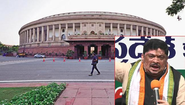 Congress Leader Ponnam Prabhakar Fires On TRS - Sakshi