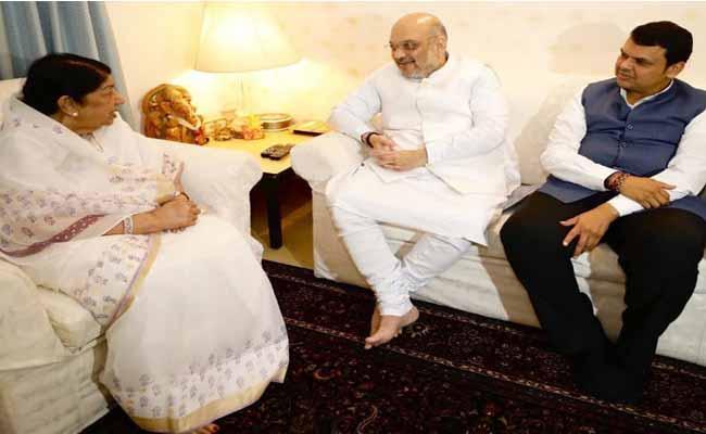 Amit Shah Meets Lata Mangeshkar For Support Campaign - Sakshi