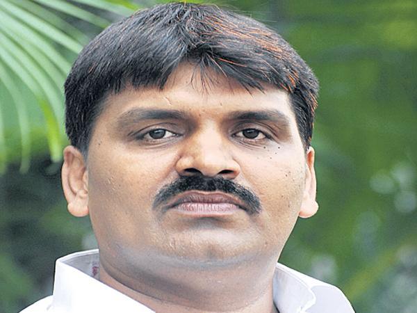 Mayor Ram Mohan Comments on Congress leaders - Sakshi