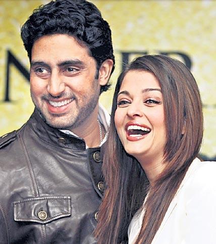 Abhishek and Aishwarya Rai Bachchan greenlight Gulab Jamun - Sakshi