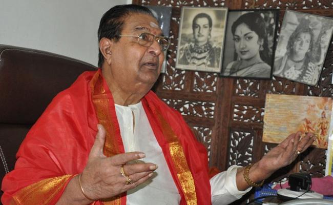 Kaikala Satyanarayana As Director HM Reddy In NTR Biopic - Sakshi