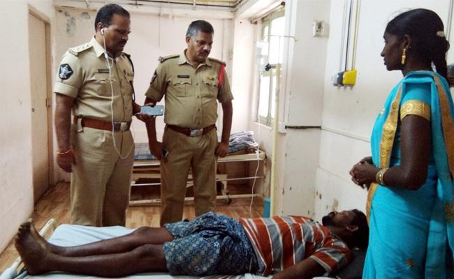 Fishermans Died With Power Shock In East Godavari - Sakshi