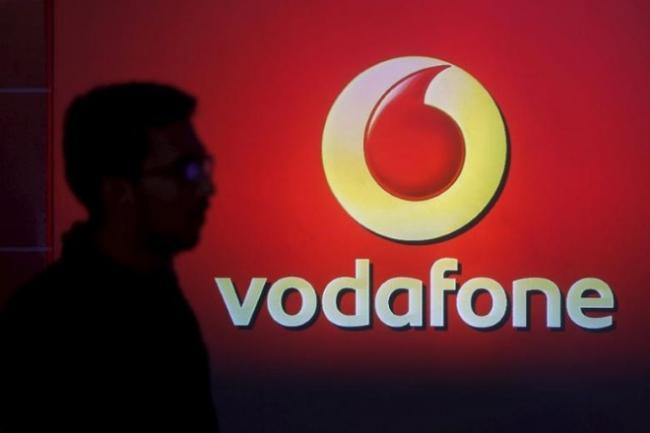 Jio Effect: Vodafone Q1 Revenue Down 22 Percent - Sakshi