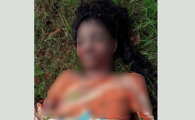 Husband Killed Wife With Child In West Godavari - Sakshi