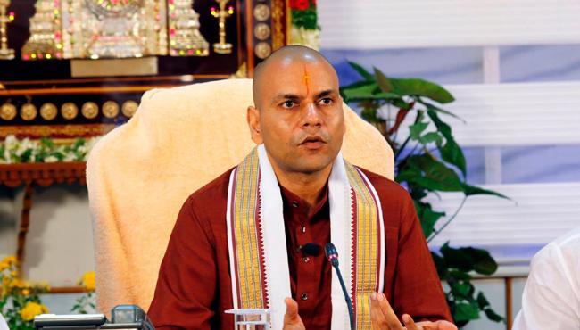 will take Agama Shastra priests suggestions for live telecast of Maha Samprokshanam - Sakshi