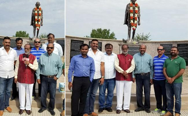 Dr Laxman visits Gandhi Memorial in Dalla - Sakshi