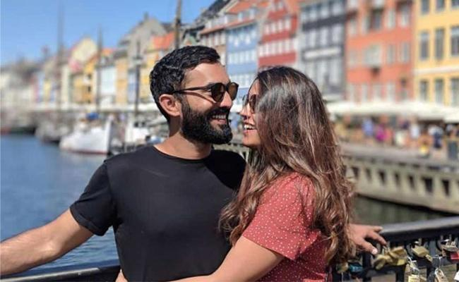 Dinesh Karthik Posts Adorable Message For Wife Dipika Pallikal - Sakshi