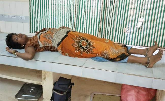 Husband Attacked On Pregnant Woman - Sakshi
