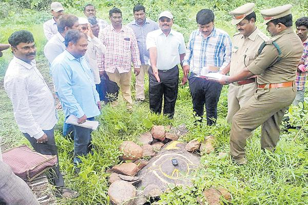 Investigation on illegal mining - Sakshi
