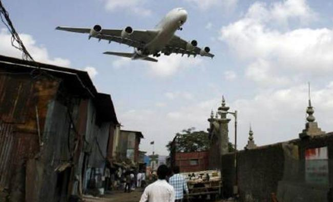 Mumbaikars Fear Of Flights Crashes - Sakshi