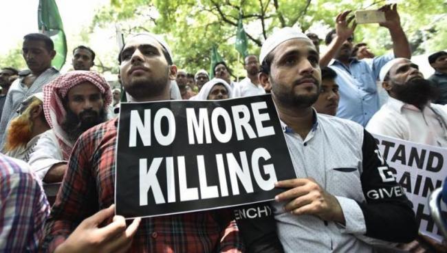 Govt warns WhatsApp over fake news triggering violence - Sakshi